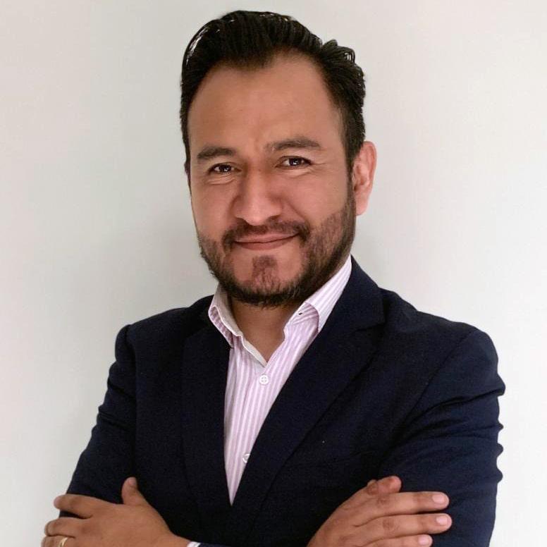 LIC. FRANCISCO SALVADOR TOLEDO Asesor jurídico de clínicas y hospitales privados en temas de Derecho Administrativo Sanitario