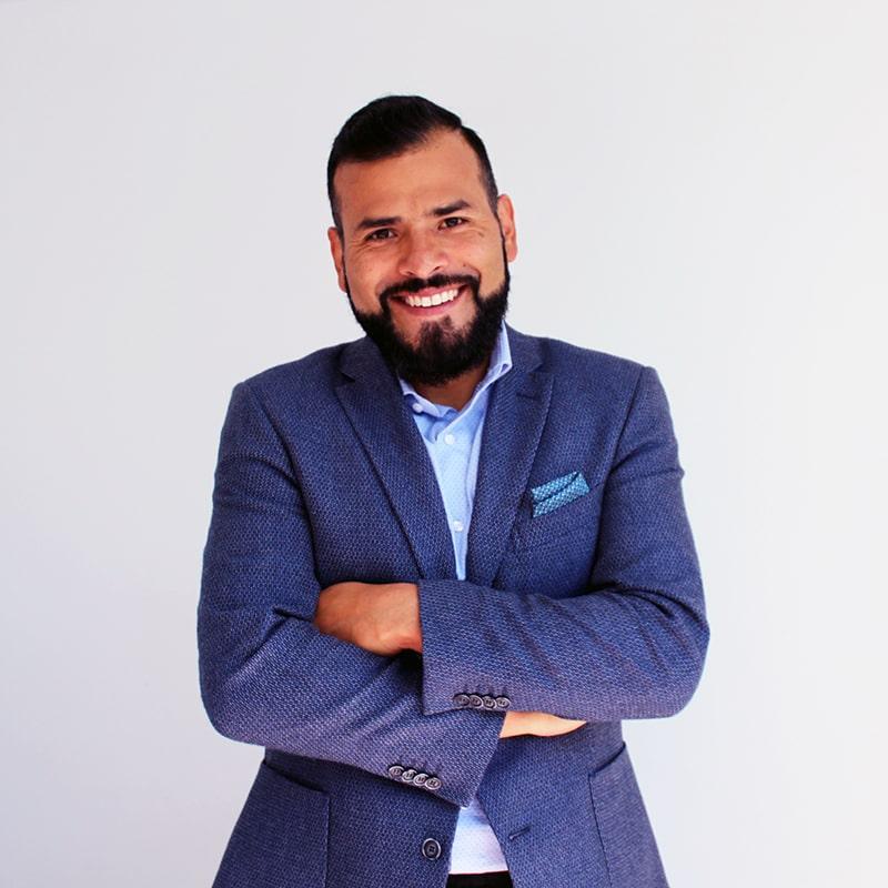 GERARDO GONZÁLEZ Fundador de Éxito Dental, la primera consultoría dental en negocios