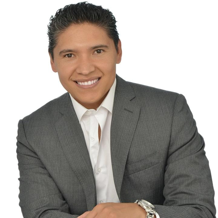 DR. ALEJANDRO MEJÍA Speaker y Asesor de 3M y Colgate