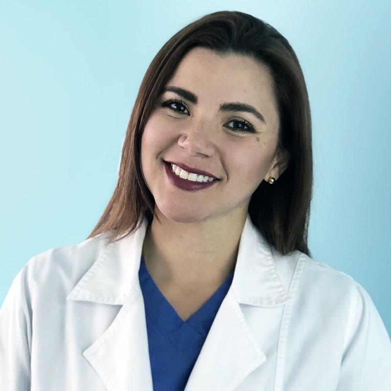 DRA. MARÍA JOSÉ RIVEROS Creadora de Dentistería Digital, con más de 310,000 seguidores alrededor del mundo